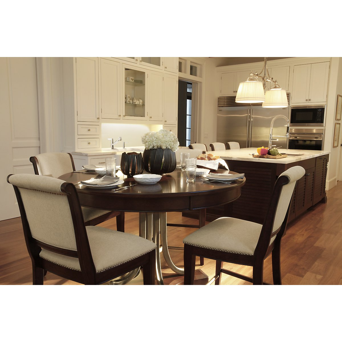 City Furniture Canyon Mid Tone Round High Table 4 Upholstered Barstools