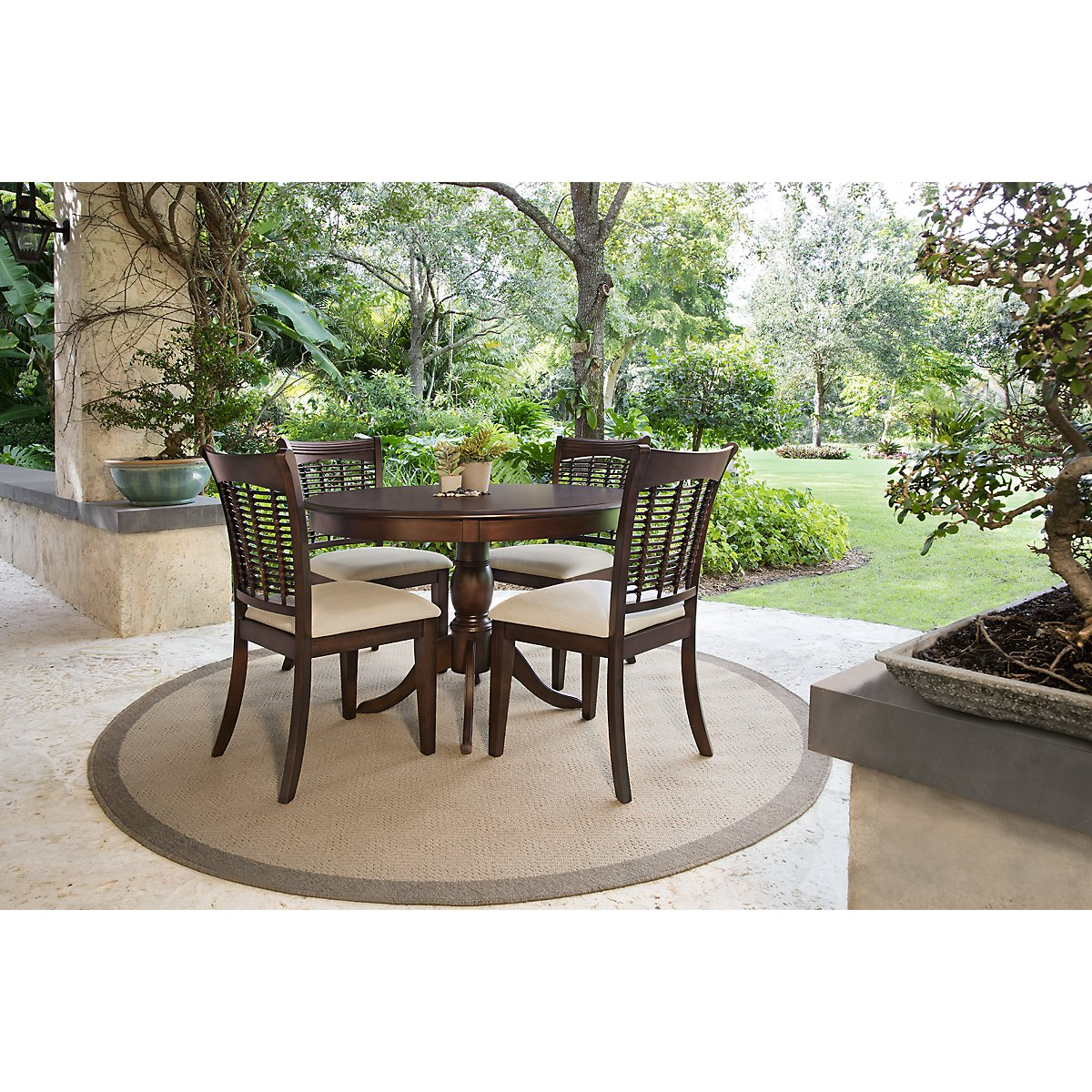 Bayberry Dark Tone Round Table 4 Chairs