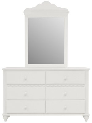 Small White Dresser D94